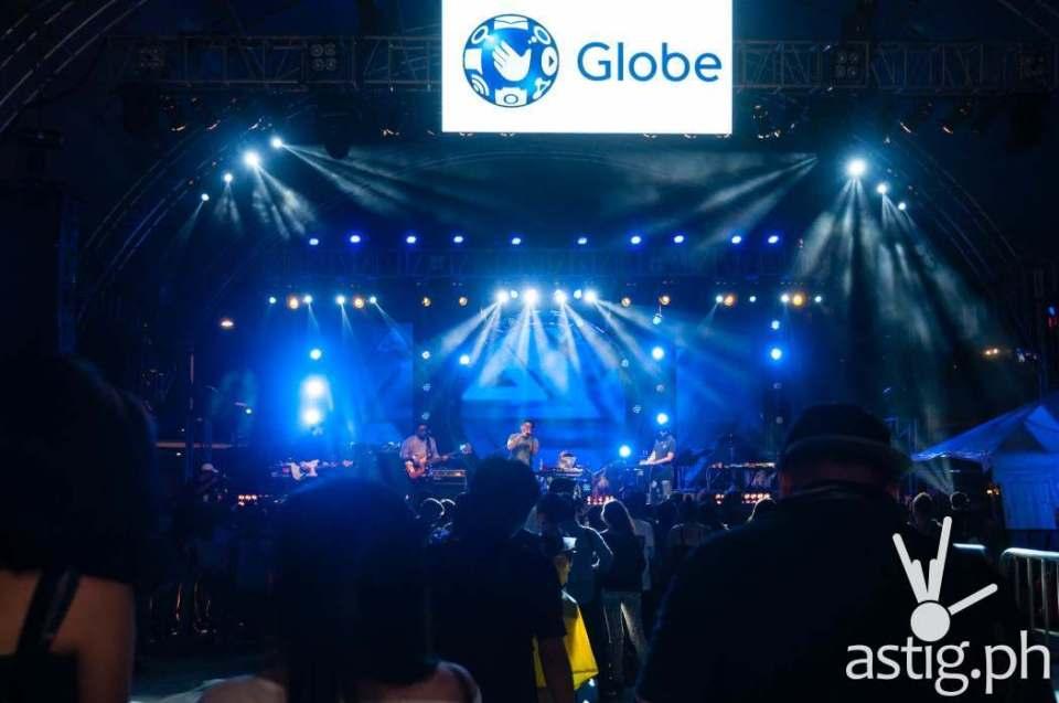 Yolanda Moon performing at the Globe Slipstream concert