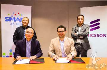 Smart, Ericsson and REFUNITE CSR partnership. Seated from left: Mr Orlando B Vea, Chief Wireless Advisor, Smart Communications and Mr Elie Hanna, Ericsson Philippines and Pacific Islands President and Country Manager. Standing from left: Mr. Ramon Isberto, Public Affairs Group Head, PLDT/ Smart Communications; and Mr Anthony Valdez, VP- Key Account Manager, Ericsson Philippines