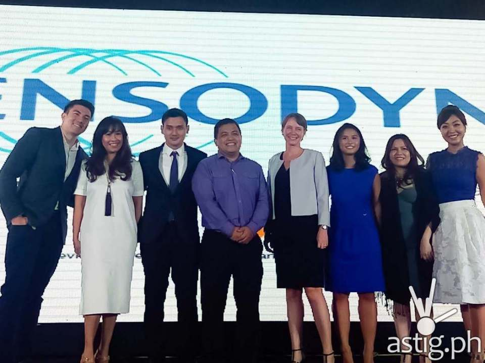 Luis Manzano with GSK and Sensodyne executives