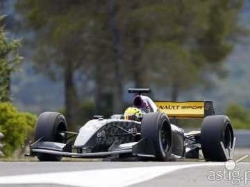 Renault Michelin FR racing car