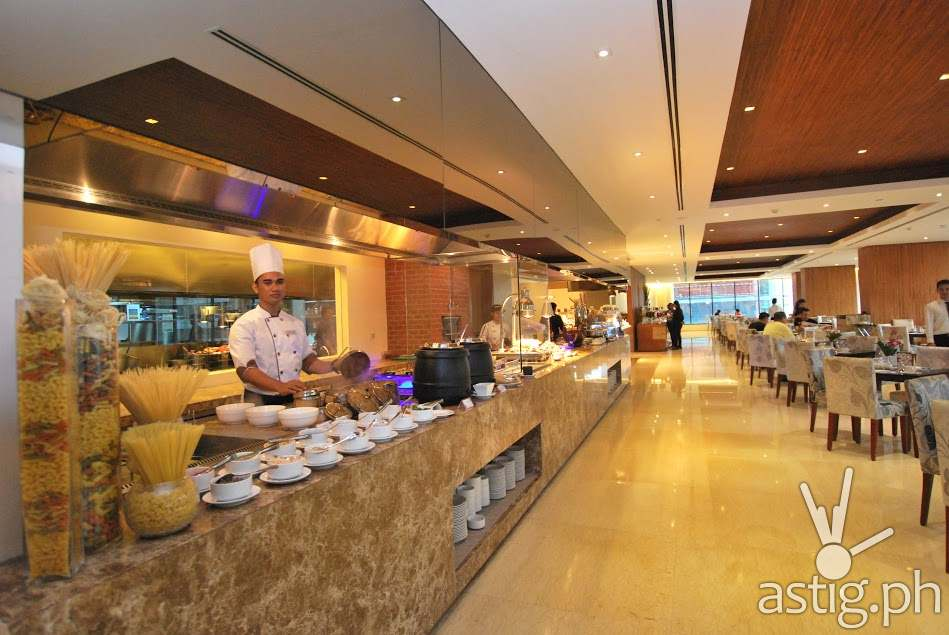 Action Stations Serve As The Focal Point Of The Morning At City Garden  Grand Hotel Makati