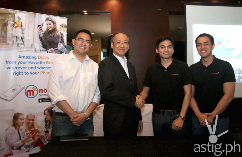 IdeaSpace-backed startup TheKard Inc., makers of Mobkard, seals the deal for P17 million in additional funding led by digital advertising leader Globaltronics Inc. In photo are (from left) IdeaSpace President Earl Martin Valencia, Globaltronics CEO William T. Guido, and TheKard co-founders Francis Uy and Carlo Calimon.