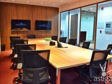 flyspaces conference room