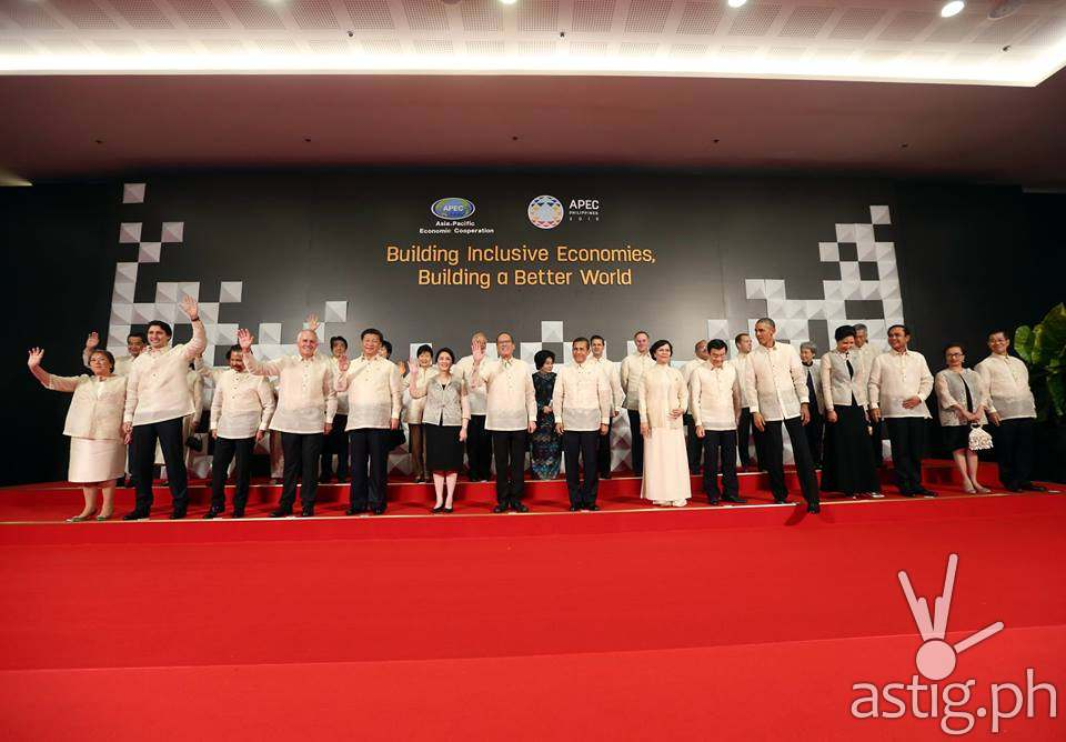 The traditional APEC Leaders Family Photo