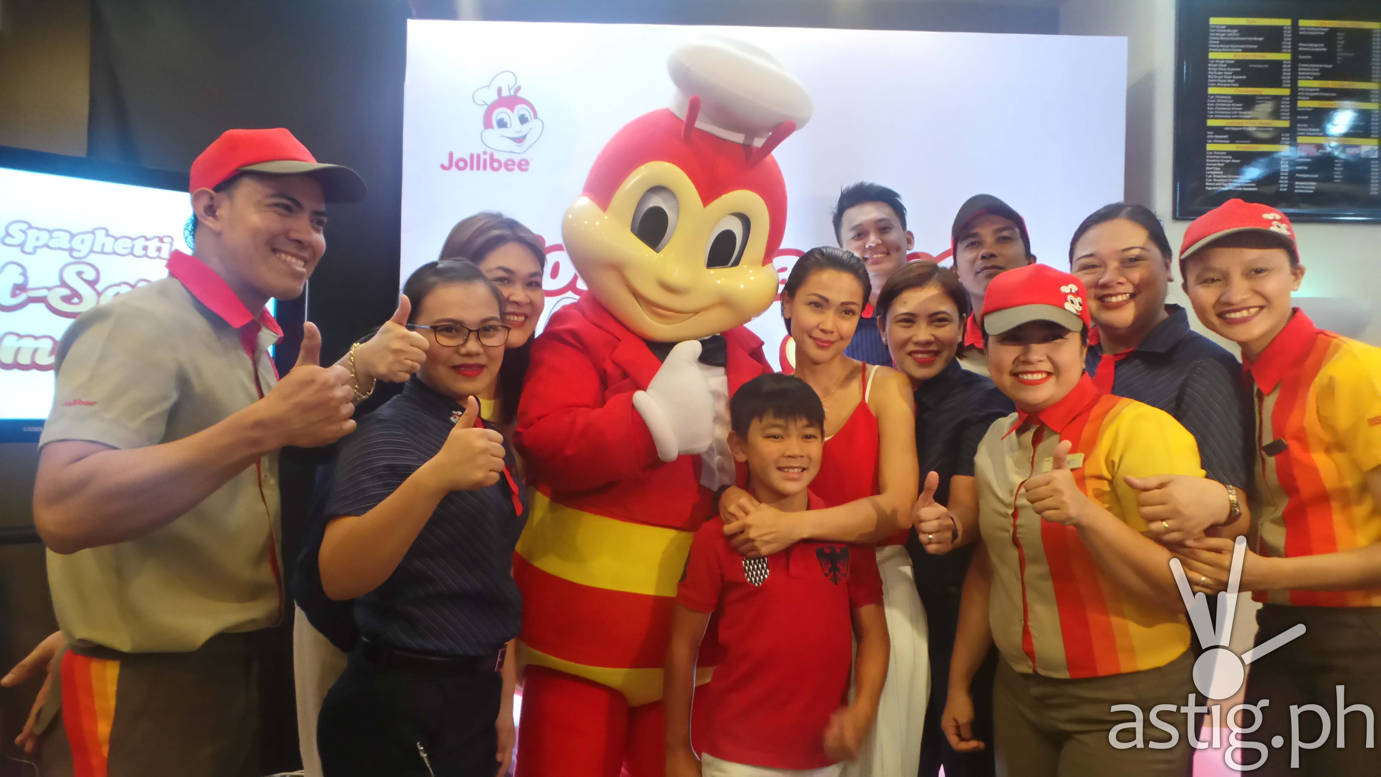 globalization of jollibee Presents interviews with ceo tony tan caktiong and international division vp,  noli tingzon, elaborating on issues and raising new issues on jollibee's global.