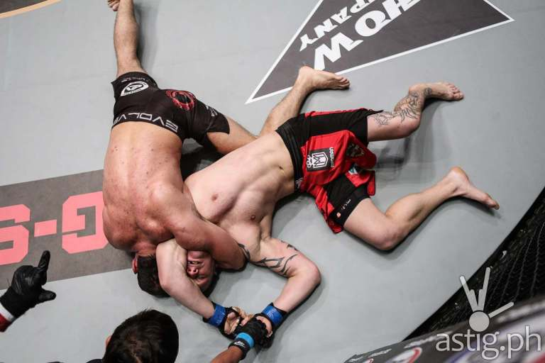Roger Gracie chokes Michal Pasternak to sleep in ONE Ascent To Power