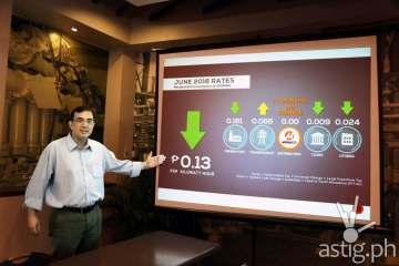 Meralco Spokesperson Joe Zaldarriaga showing the decrease in electricity rates this June 2016