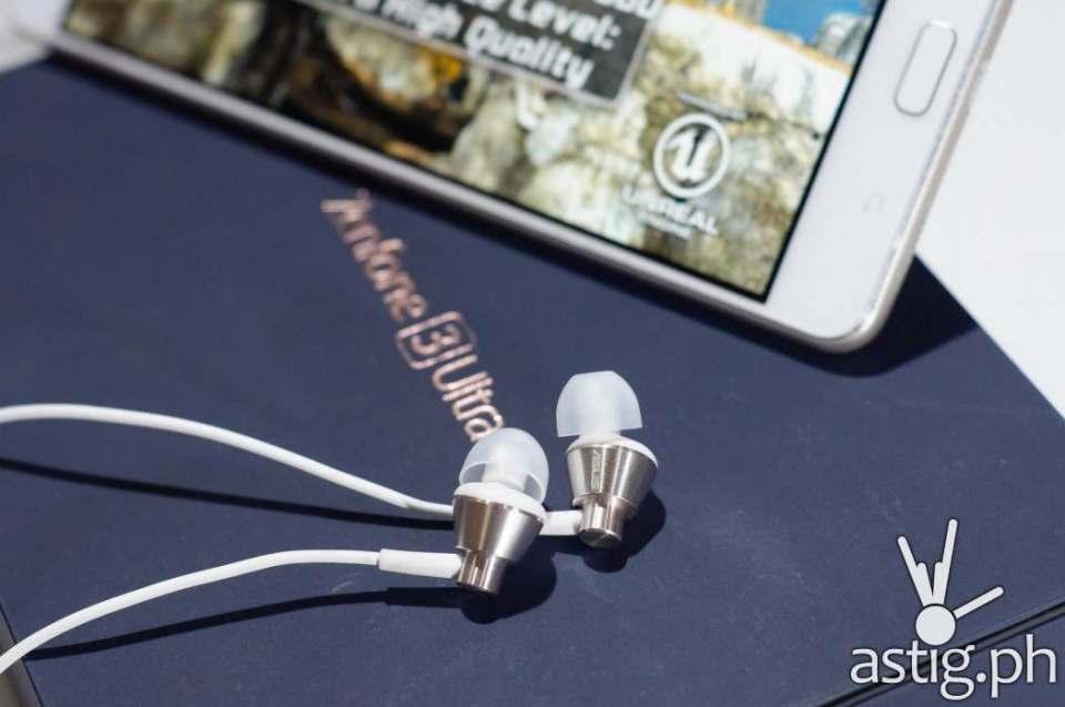 ASUS Zenfone 3 Ultra with ZenEar headset