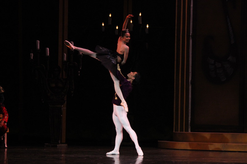 Jemima Reyes as Odile and Victor Maguad as Siegfried