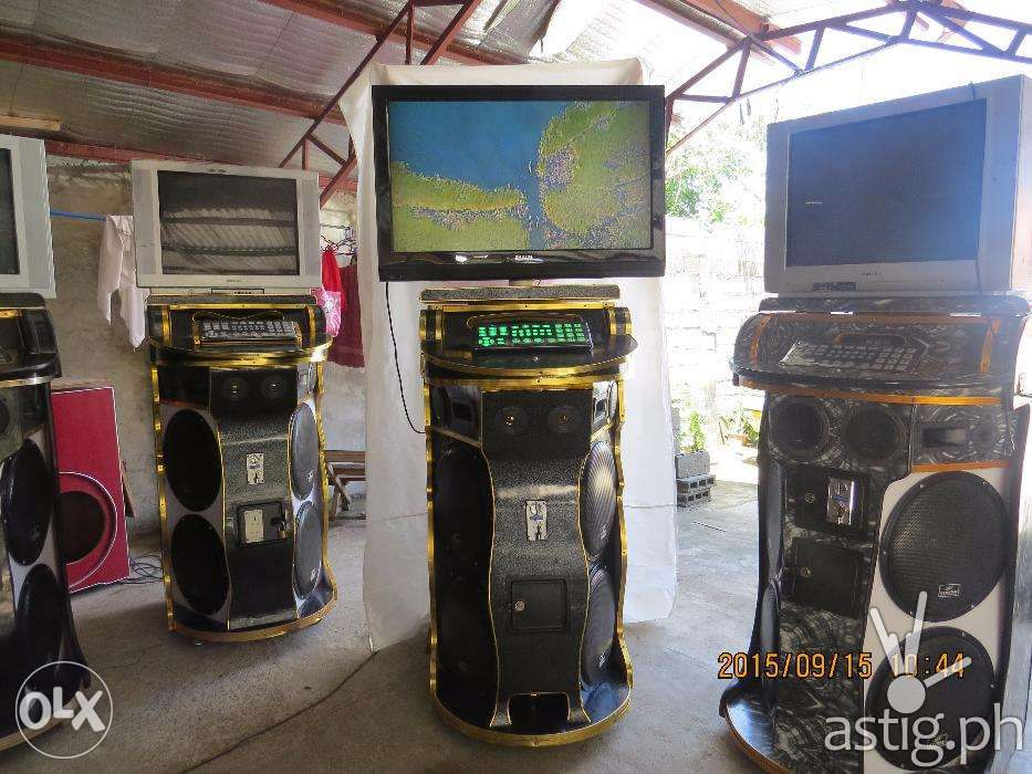 Look for a videoke system that is portable, unlike these coin-operated videoke machines (source: OLX.PH)