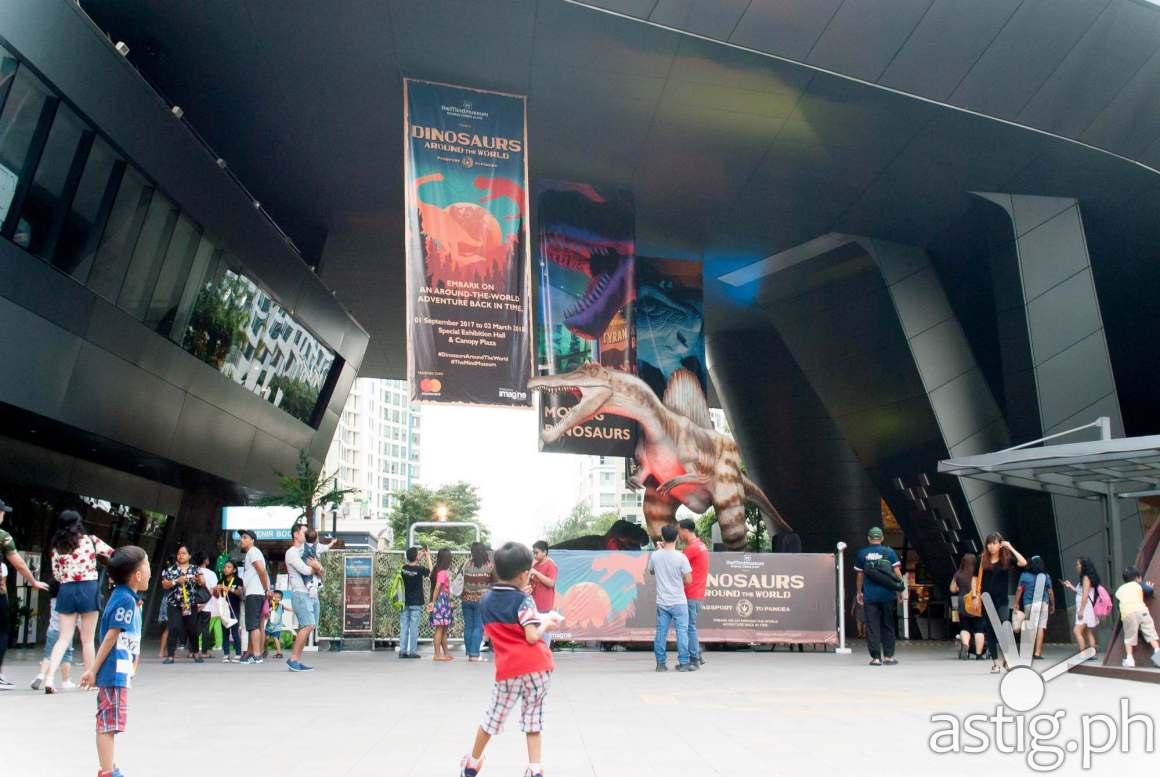Spinosaurus at the entrance - Dinosaurs Around The World exhibit - Mind Museum BGC