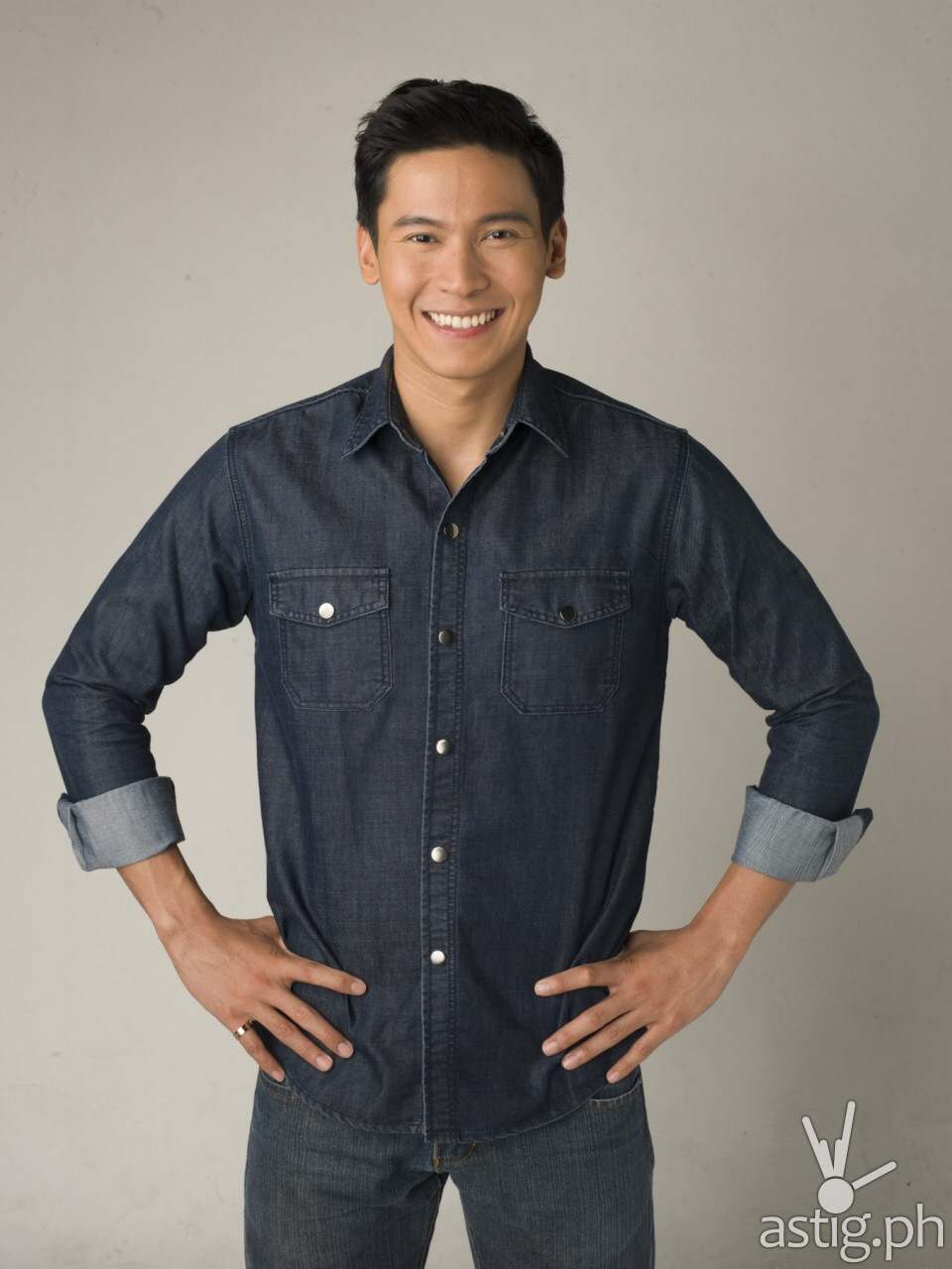 Actor Enchong Dee is the official endorser of Peri-Peri Charcoal Chicken and Sauce Bar. He is also a Peri Happy Franchisee of several Peri-Peri branches.