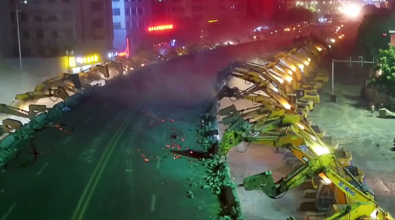 100 Plus Excavators Dismantle a Bridge in east China Overnight