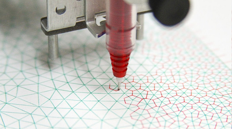 This Ultra-Precise Drawing Robot it the Most Mesmerizing Thing You'll See Today