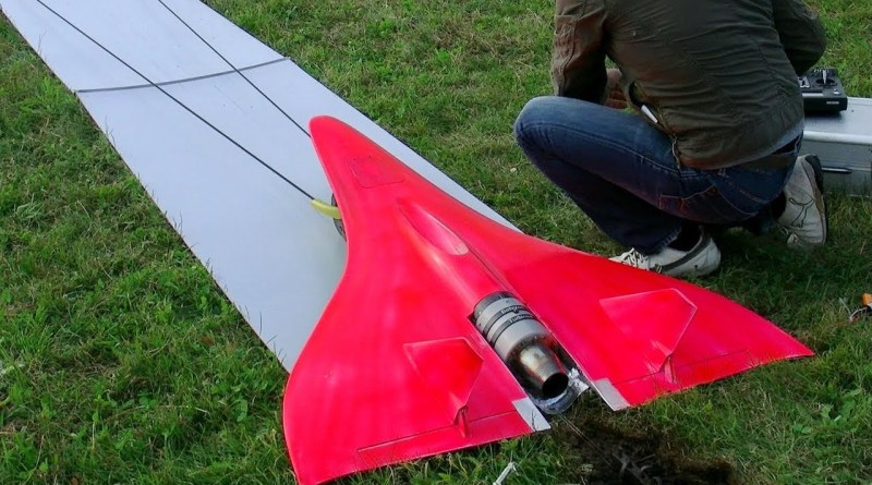 Guy Builts The Fastest RC Turbine Model Jet