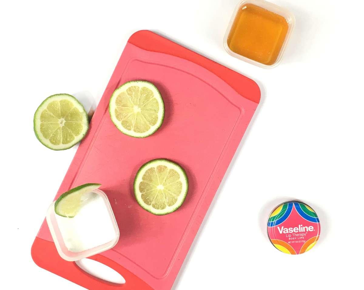 DIY Sugar & Honey Lip Scrub For Dry & Chapped Lips