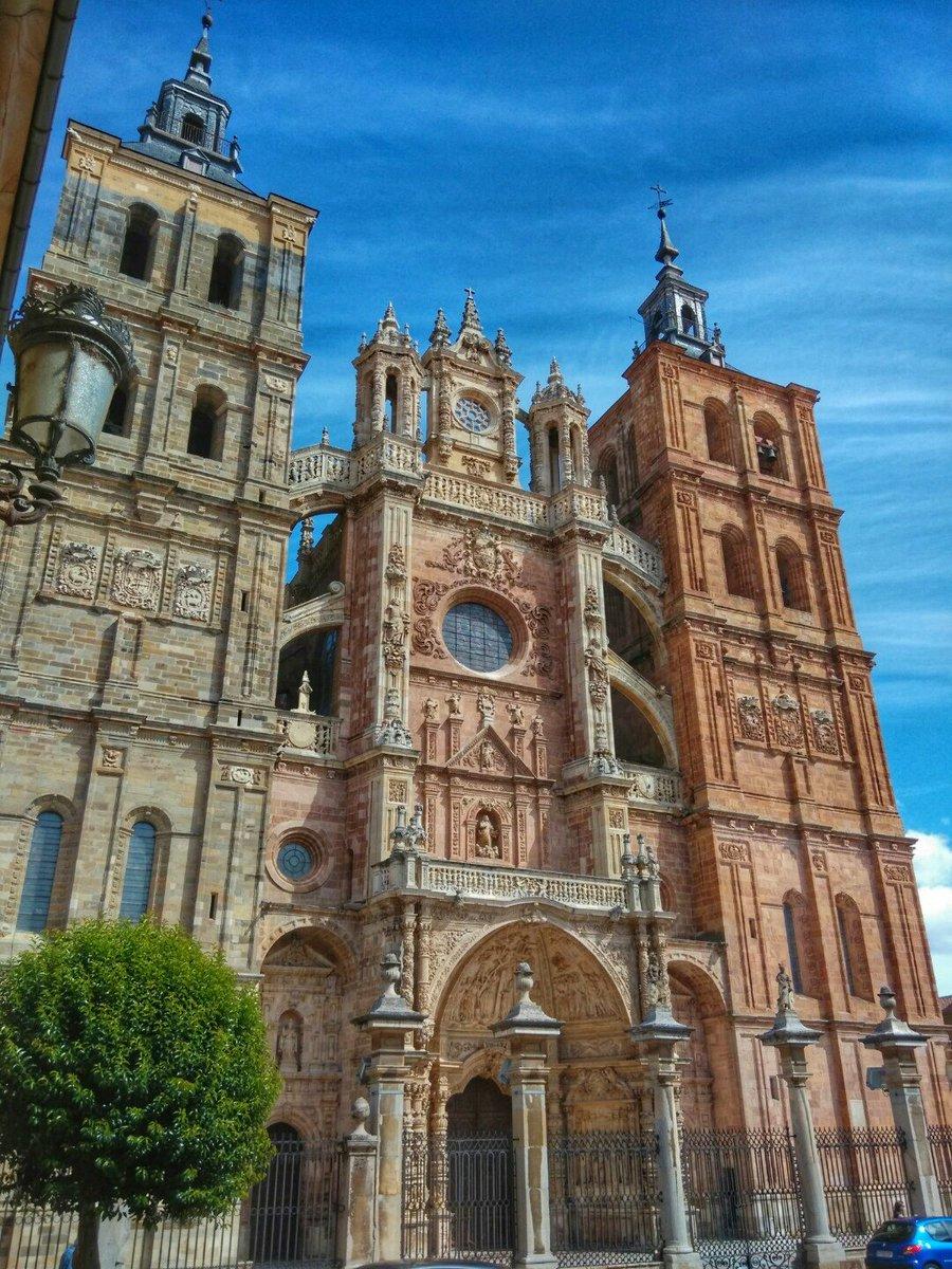 アストルガ大聖堂-レオン県-スペイン