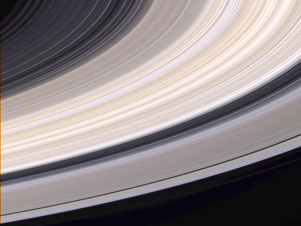 Les anneaux de Saturne en vraies couleurs par la sonde Cassini - ASTROVISION