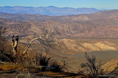 The contrast that is California, from the dry mountains