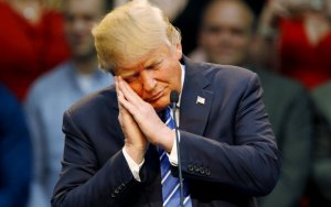 http://www.thedailybeast.com/articles/2016/04/02/donald-trump-s-4-hour-sleep-habit-could-explain-his-personality.html