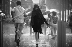 a_smile_in_the_rain_by_dannyst-d3c3hwf