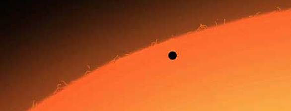 The small disk of Mercury on the disk of the Sun | Image © ESO