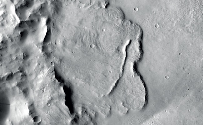 Contoh fitur pada sekungan Mars. Kredit:  NASA/JPL-Caltech/MSSS