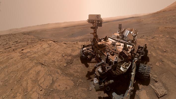 Curiosity di Kawah Gale. Kredit: NASA