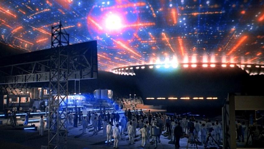 A luminosa nave extraterrestre de «Encontros Imediatos de 3º Grau»
