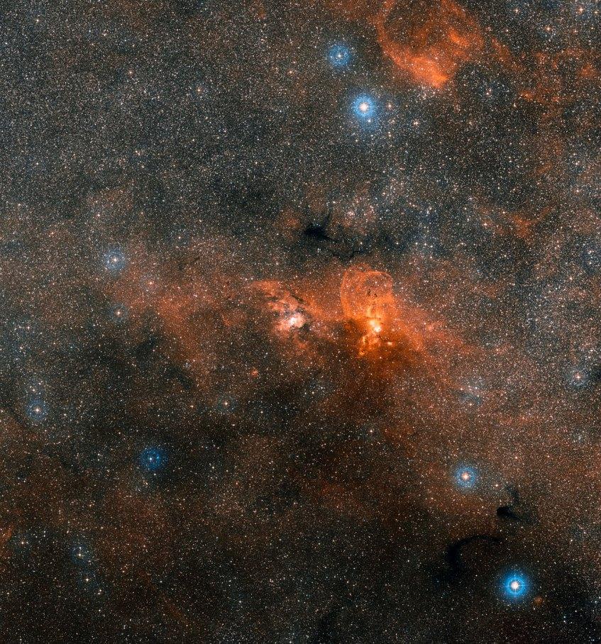 Formação estelar na constelação de Carina. Crédito: ESO/Digitized Sky Survey 2