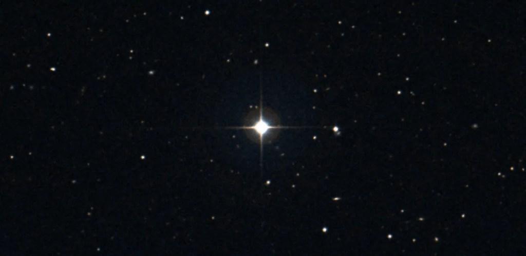 Zvijezda HD 75898; izvor: Aladin Lite, DSS