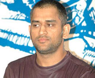 220px-Dhoni_at_Reebok_event