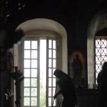 Уборка в нижнем храме