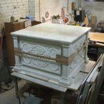 Финальная стадия изготовления престола и жертвенника для нижнего храма собора