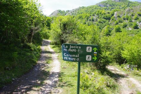 Ruta en el valle de Angón. Ceremal y la Jocica