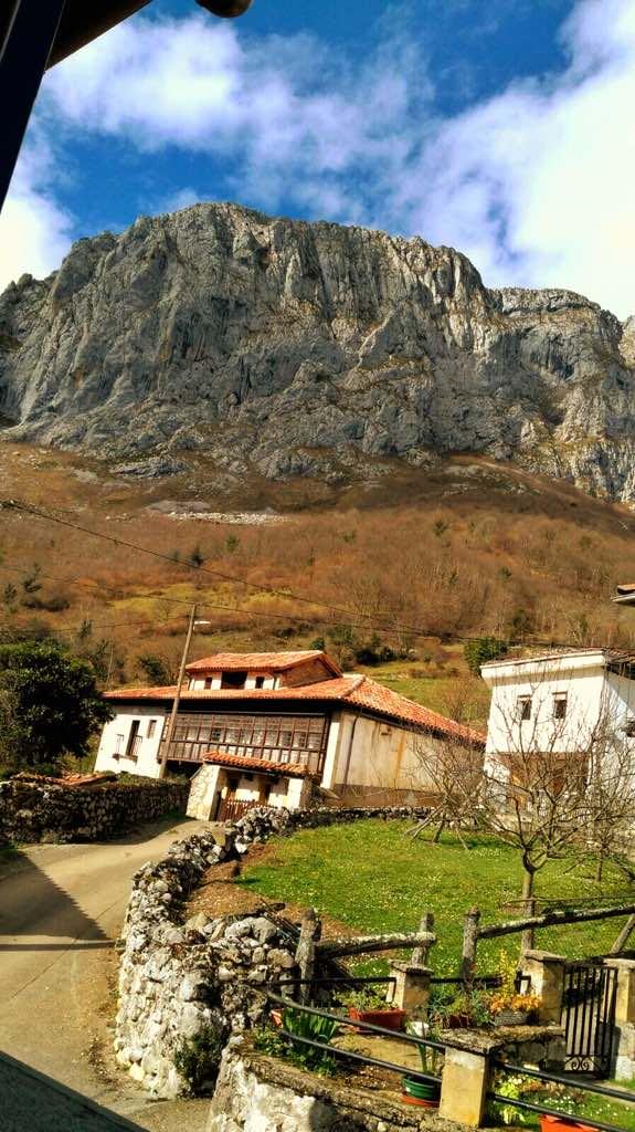 La montaña de Taranes desde la casa con jacuzzi