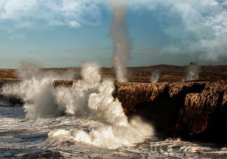 bufones en la costa de Llanes. Bufones de Pría