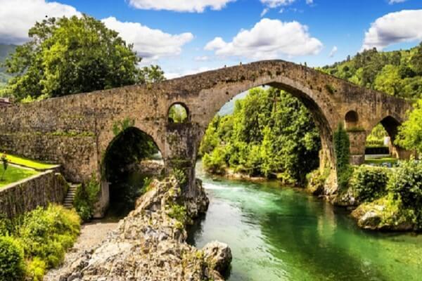sitios para ver en asturias cangas de onis
