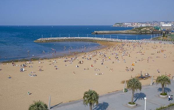 as mejores playas de gijon playa de larbeyal