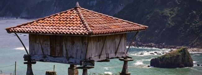 horreos en asturias tejado