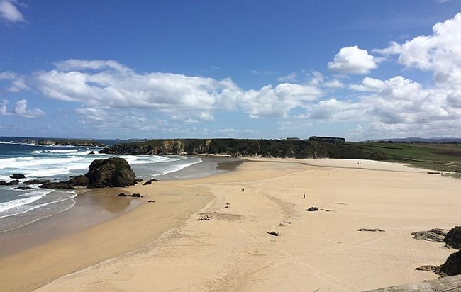 playas para niños en asturias playa de penarronda