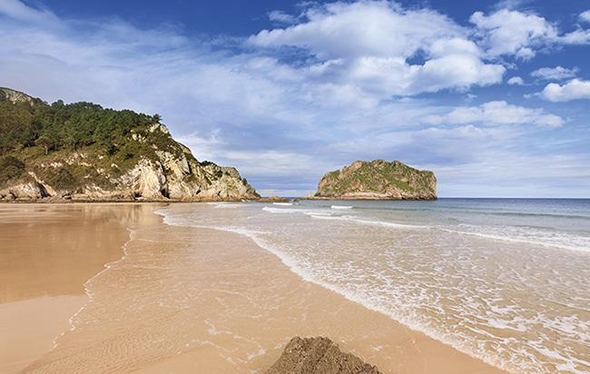 preciosa playa de la franca en asturias