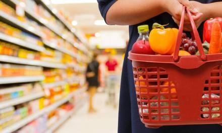 Consell y distribuidores aseguran el abastecimiento en supermercados: «No hay motivo para el acopio masivo»