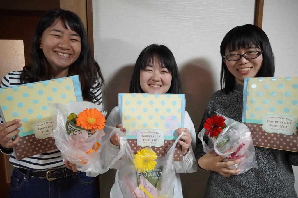 写真:卒業する学生ボランティアさんたち