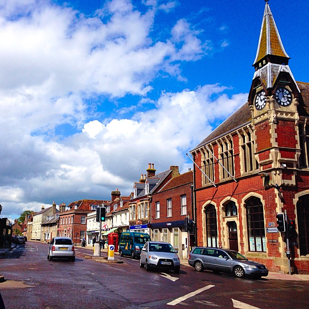 A Purbeck Bus Expedition & Good Eats in Wareham