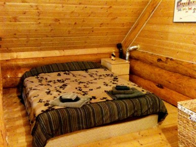 Shilo's Chalet Double Bed