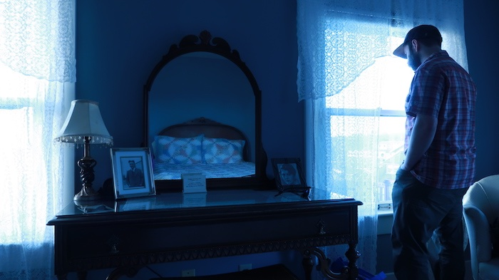 Sylvia Beach Hotel F. Scott Fitzgerald Room in blue