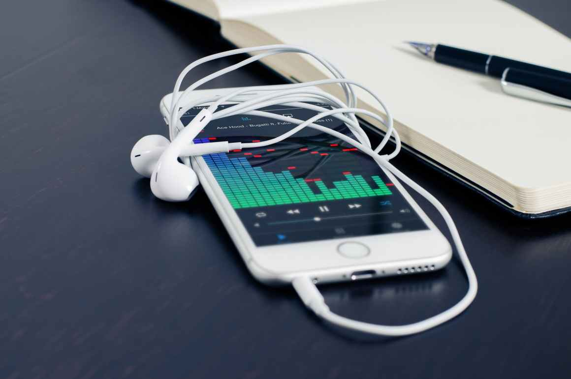 iphone smartphone technology music