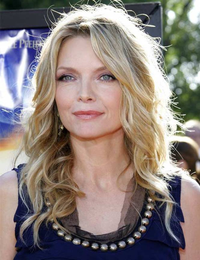 Michelle-Pfeiffer-Layered-Cut