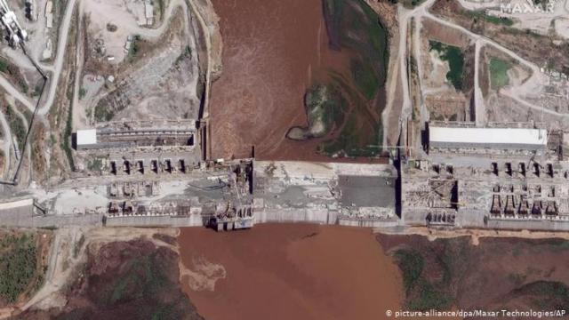 صور الأقمار الصناعية لسد النهضة التي تُظهر حجز المياه